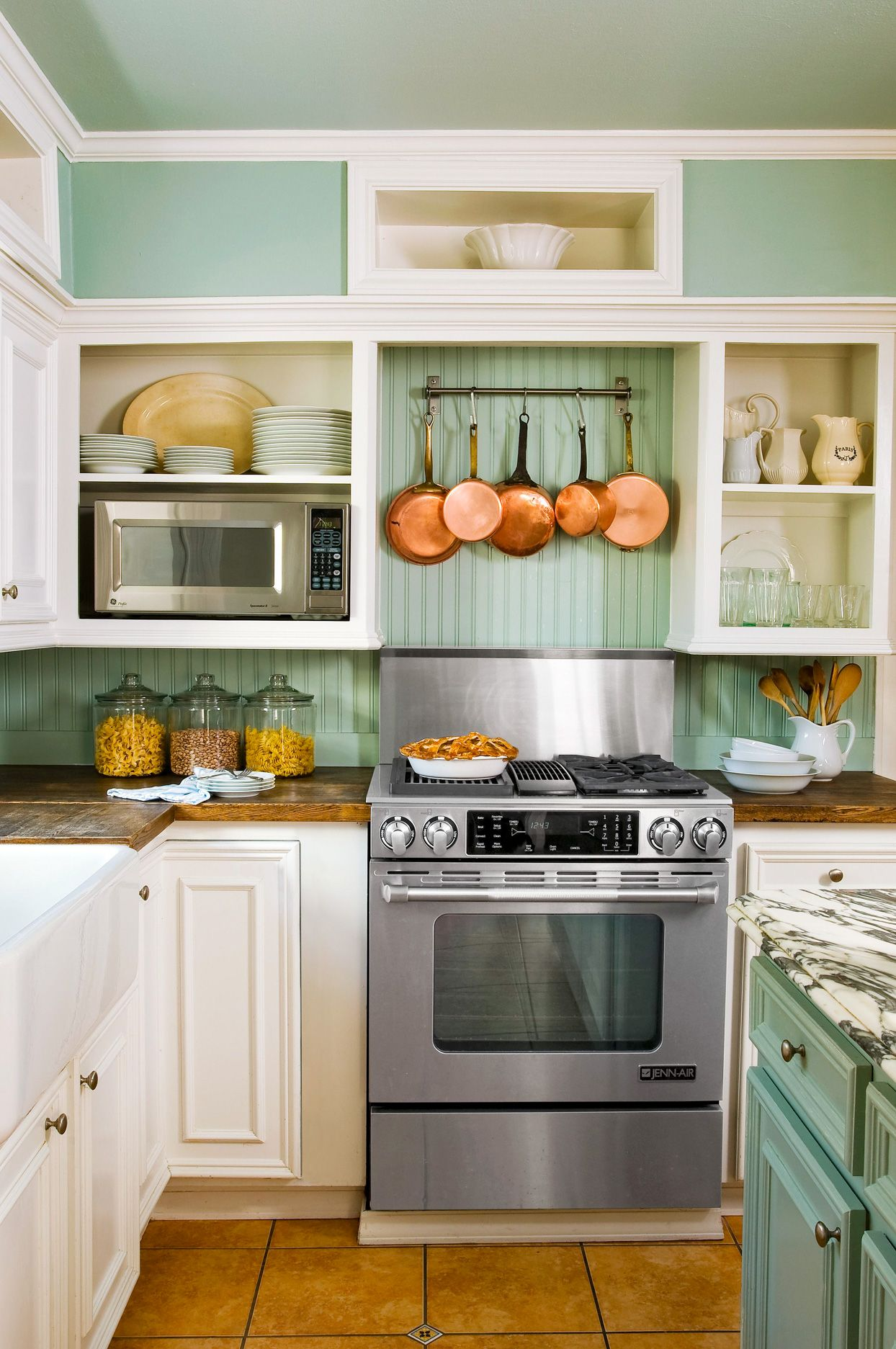 17 Budget-Friendly Backsplash Ideas That Only Look Expensive