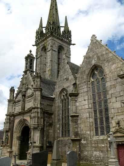 Enclos Paroissial De Bodilis Bretagne Glise Calvaire Ossuaire Calvaire Bretagne Eglise Notre Dame