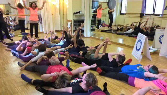 Ridere al femminile: un progetto dalle donne dello Yoga della Risata per tutte le donne
