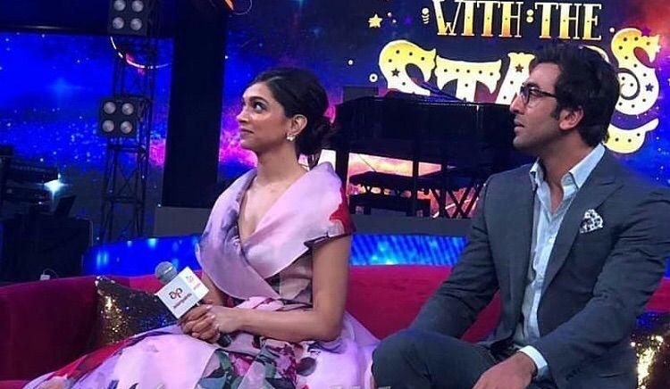 Watch Deepika Padukone And Ranbir Kapoor Shake A Leg On Ranveer Singh S Aankh Maare And Set Stage On Fire Ranveer Singh Ranbir Kapoor Deepika Padukone