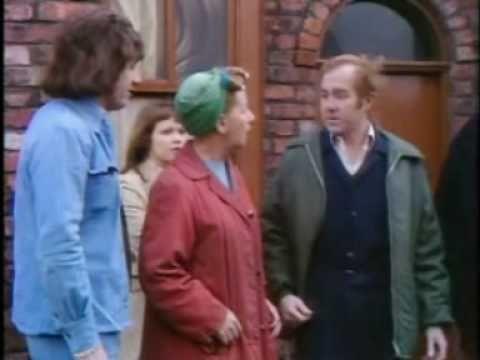 Coronation Street - Bet Lynch & Hilda Ogden Fight In The Street...Forwar...