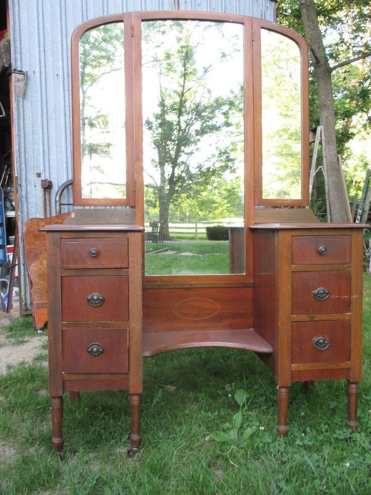 VINTAGE VANITY DRESSER TRI FOLD MIRRORS WOULD BE GREAT TO REPAINT ALSO. - Vintage Vanity Dresser Tri Fold Mirrors Would Be Great To Repaint