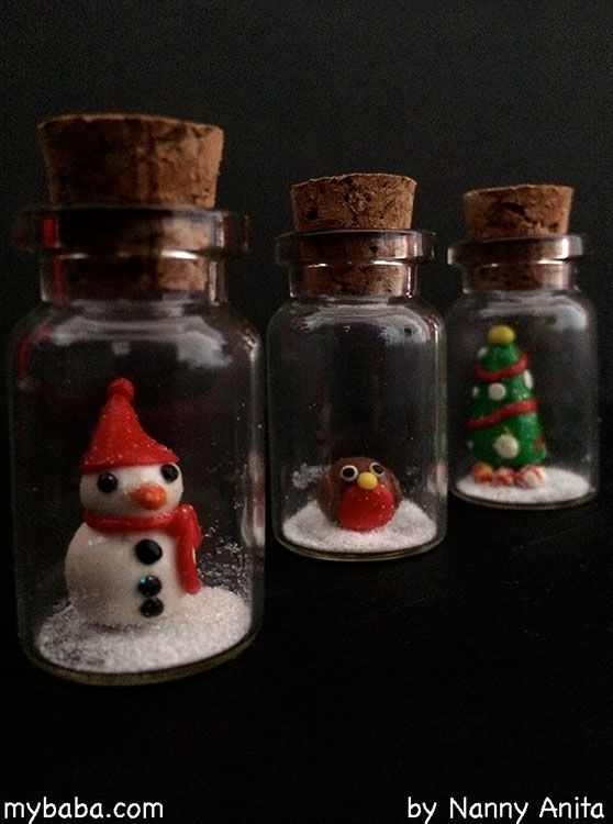 Make these adorable mini christmas bottles using modelling clay. Great as either tree or table decorations. Craft for older children/tweens and teens.