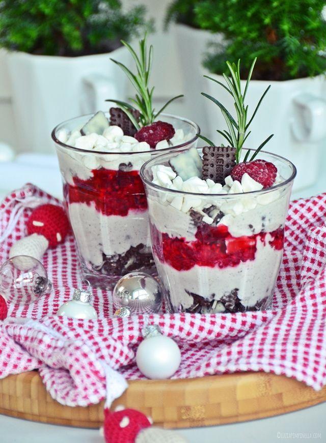 keks trifle mit rosmarin himbeeren mein rezept f r ein weihnachtliches ruck zuck dessert. Black Bedroom Furniture Sets. Home Design Ideas