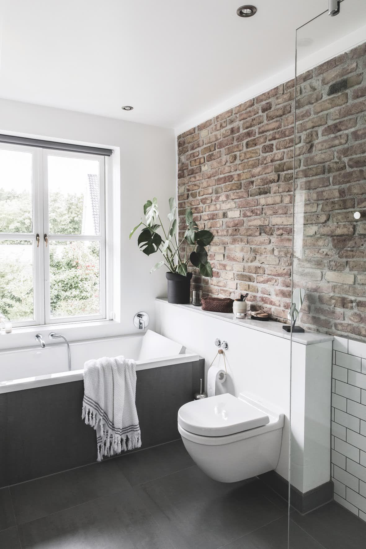 stylistens charmerende villa med moderne l sninger badezimmer b der und wohnen. Black Bedroom Furniture Sets. Home Design Ideas