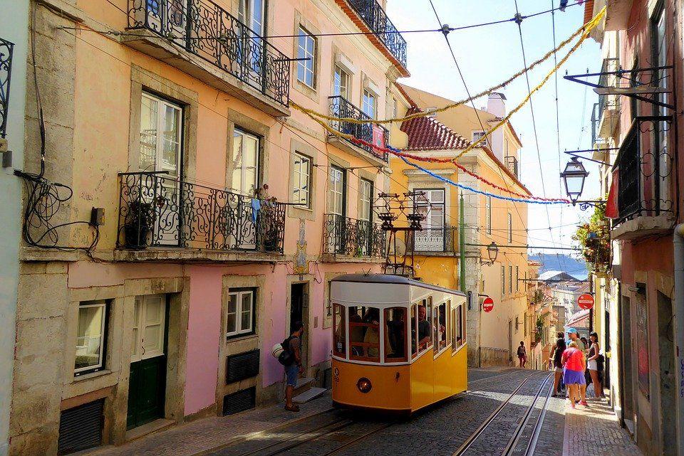 Venise Lisbonne La Normandie Pour Un Weekend En Amoureux Quartier De Lisbonne Visite Lisbonne Et Lisbonne