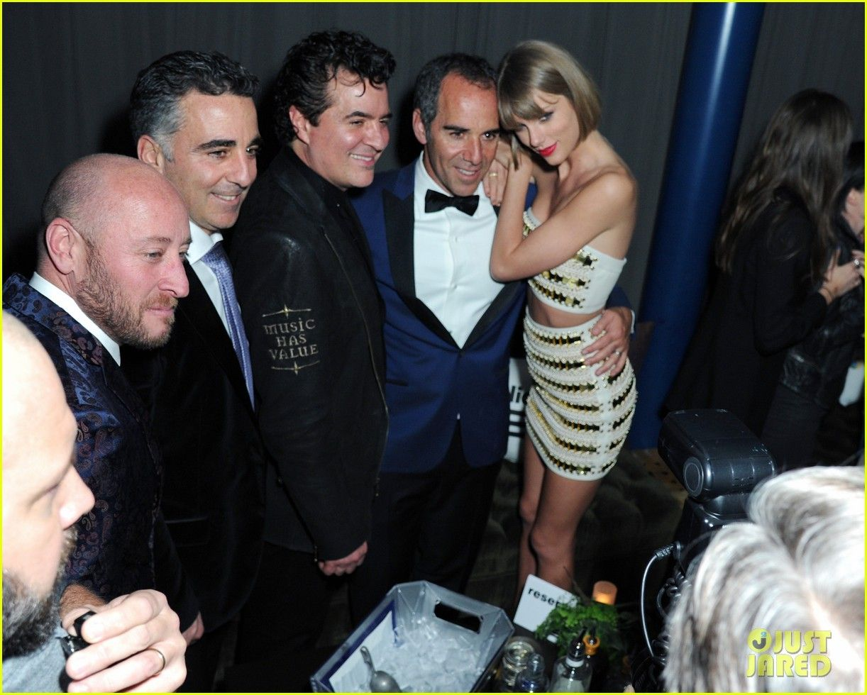 images of taylor swift at 2016 grammys | Taylor Swift's Grammys 2016 After Party Squad Includes Boyfriend ...