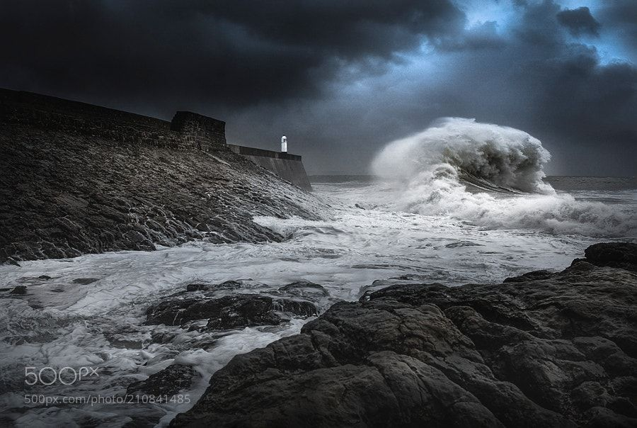 Wave Power by Alan_Coles from http://500px.com/photo/210841485 - . More on dokonow.com.