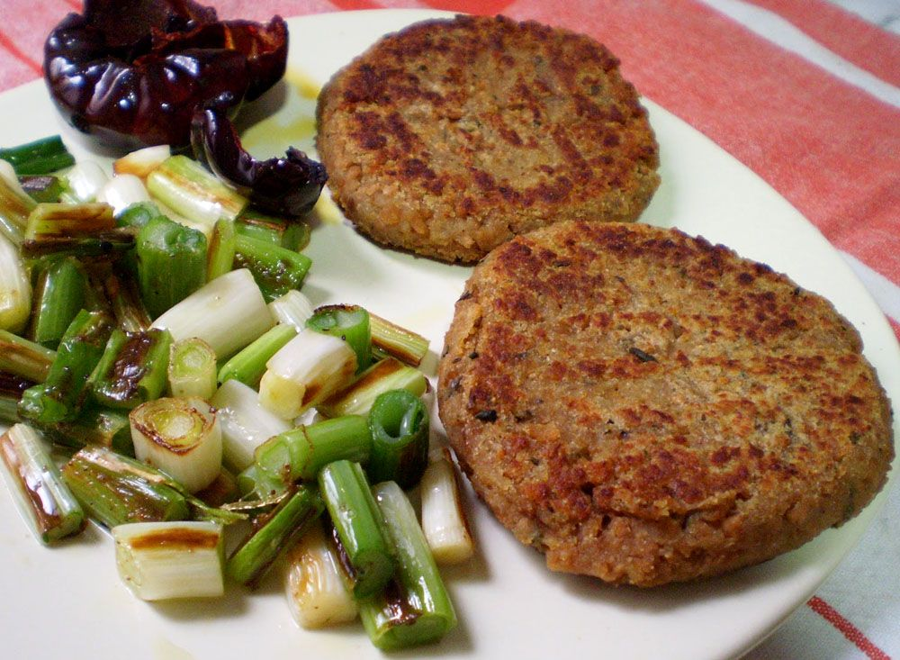 Hamburguesas veganas de soja texturizada gu a sana for Cocinar soja texturizada