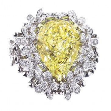 William Goldberg - Fancy yellow diamond bouquet ring.