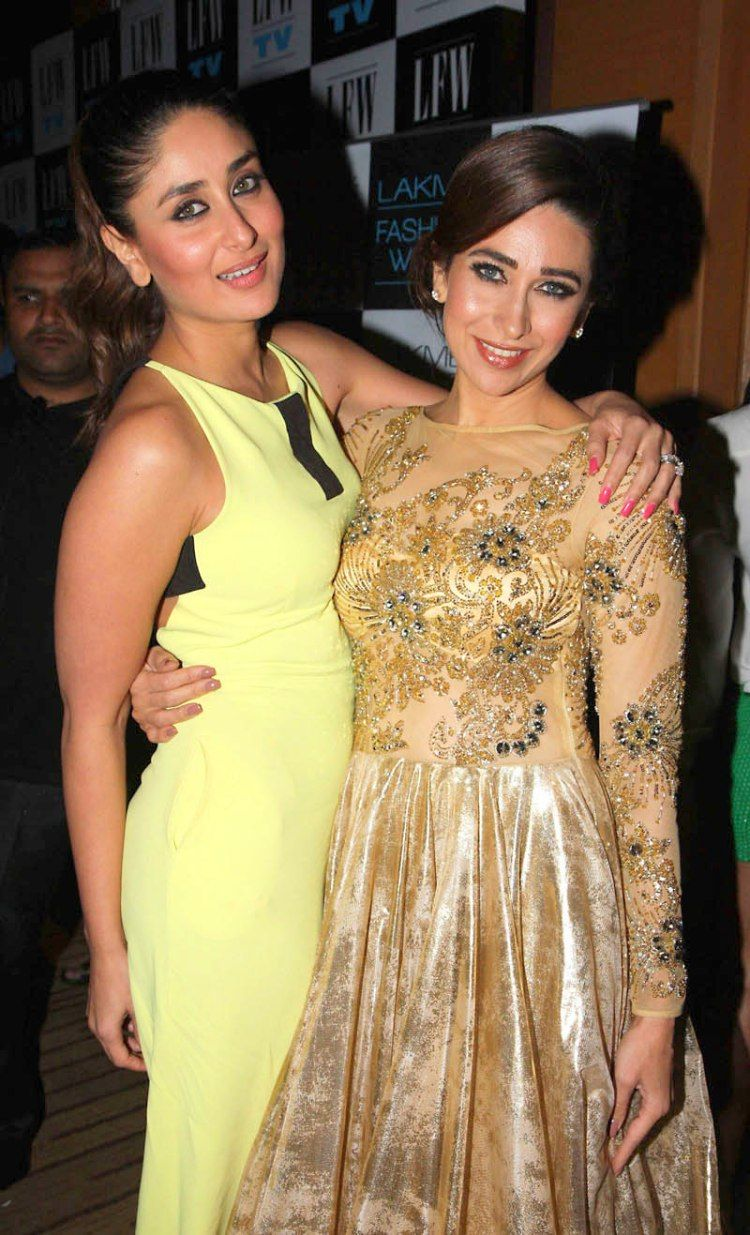 8 Beautiful Real Life Bollywood Sisters Shejournal Lakme Fashion Week Most Beautiful Indian Actress Bollywood Fashion