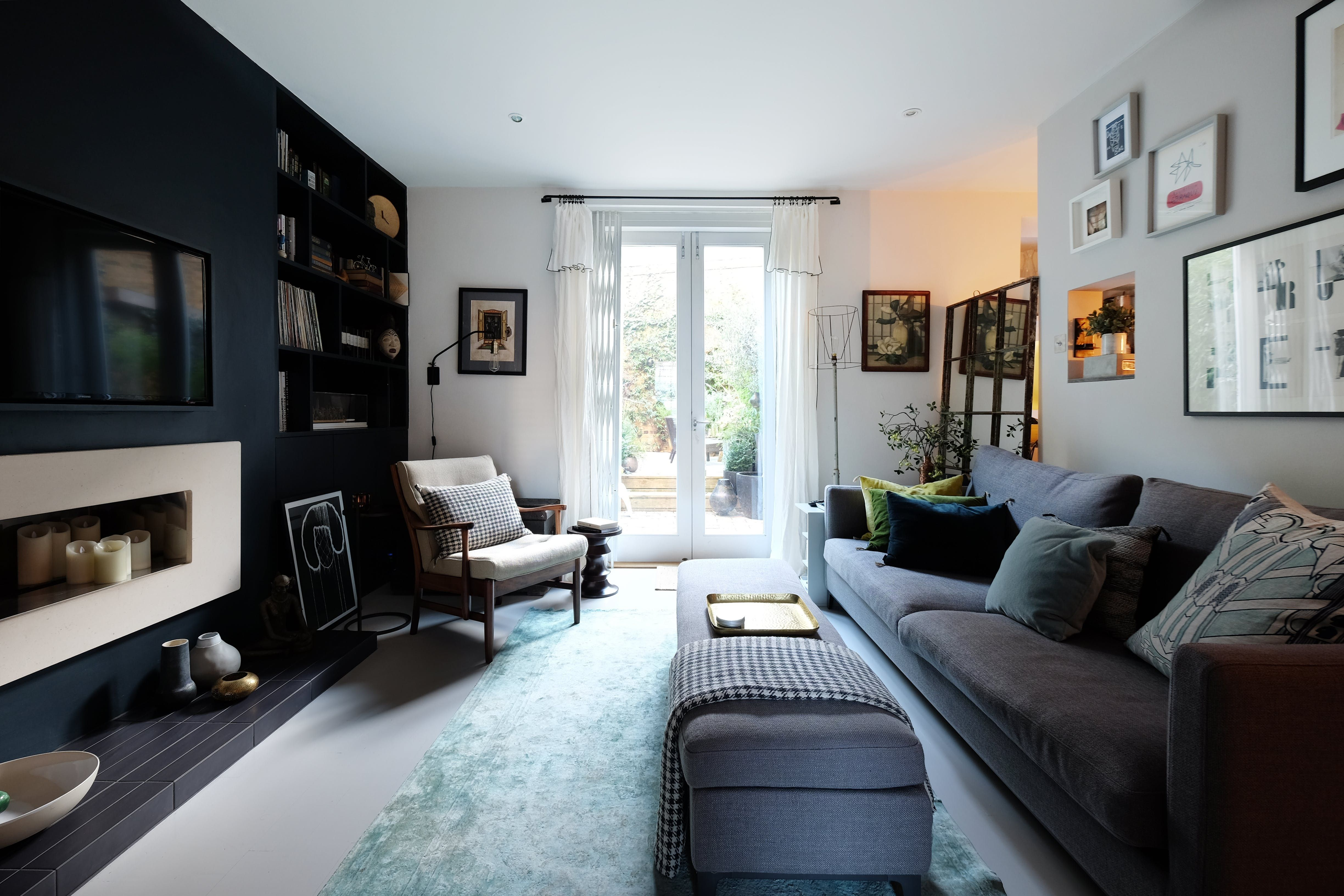 A Chic Small Space In The Heart Of London Camo Living Rooms Living Room Grey Home