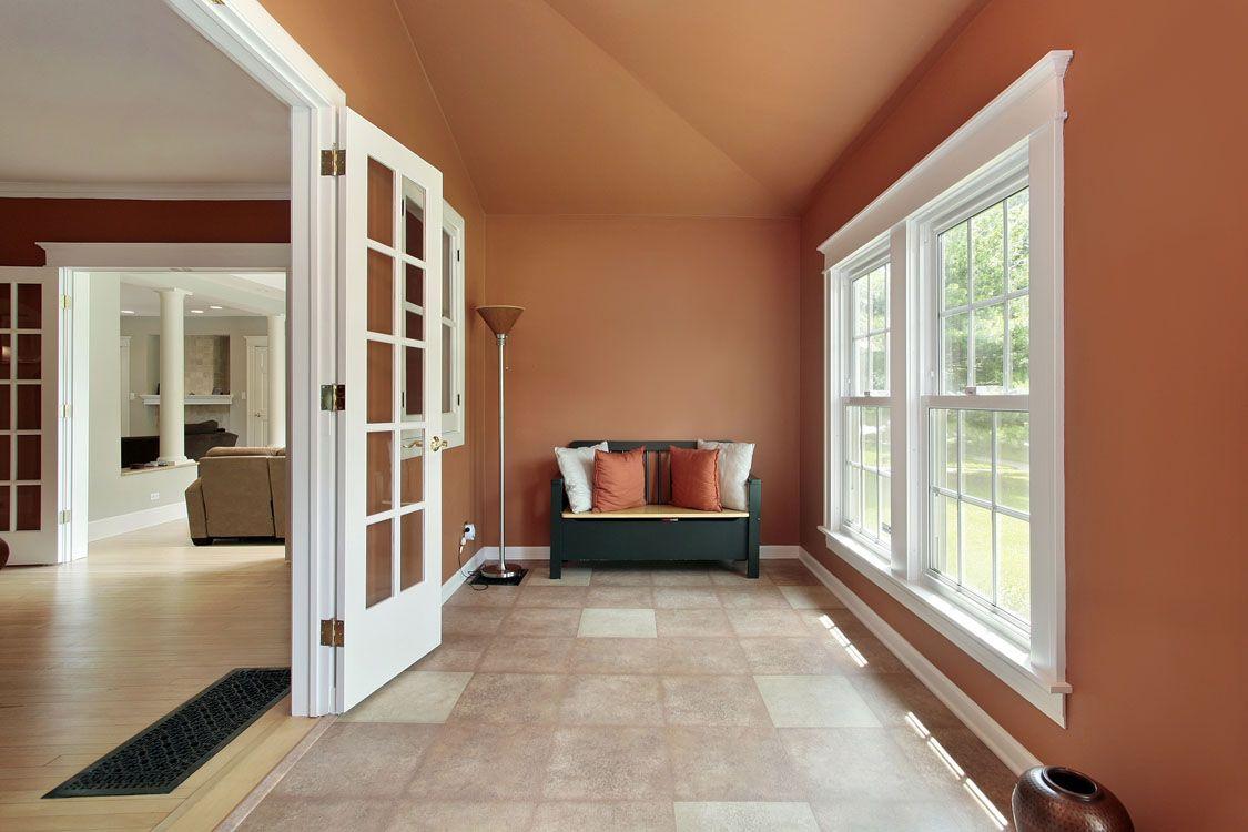 Combinando Diferentes Tonos Del Mismo Color Lograras Efectos Impresionantes Exteriores De Casas Pintura De Interiores Colores De Pintura De Interior