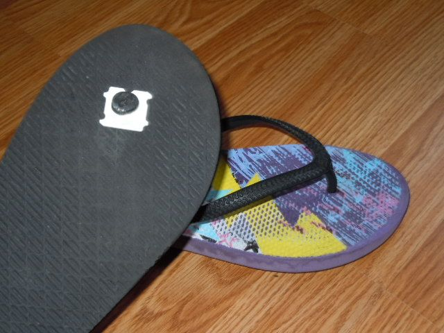 Blown out Flip Flop? Use a bread clasp to fix.