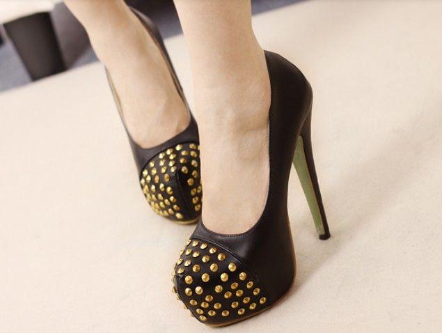 Black Studded High Heels Fashion Pumps