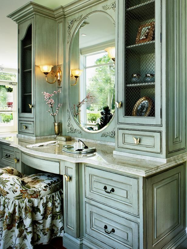 Traditional Bathroom With Oversize Mirror & Pendant Lights on Track ...