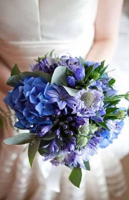 bouquet de mariage violet bleu / bouquet de mariée #weddingbouquet #bridalbouquet www.joyeuxmariage.fr