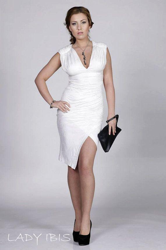 fb55c861005a White woman dress