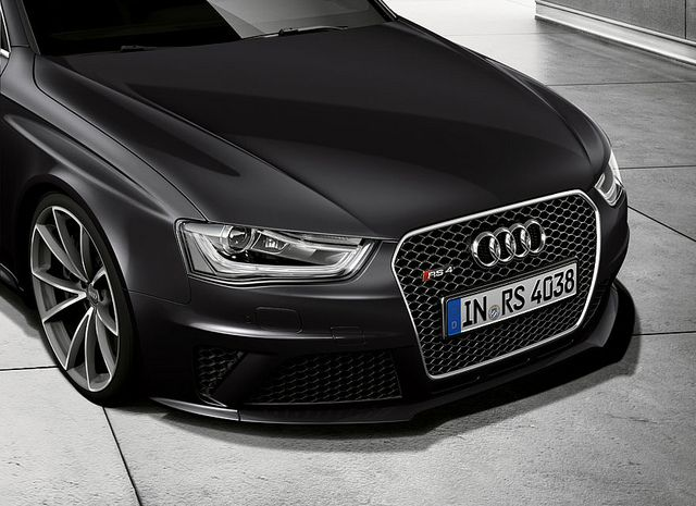 New Audi Rs 4 Avant Panther Black Crystal Effect Audi Rs Audi