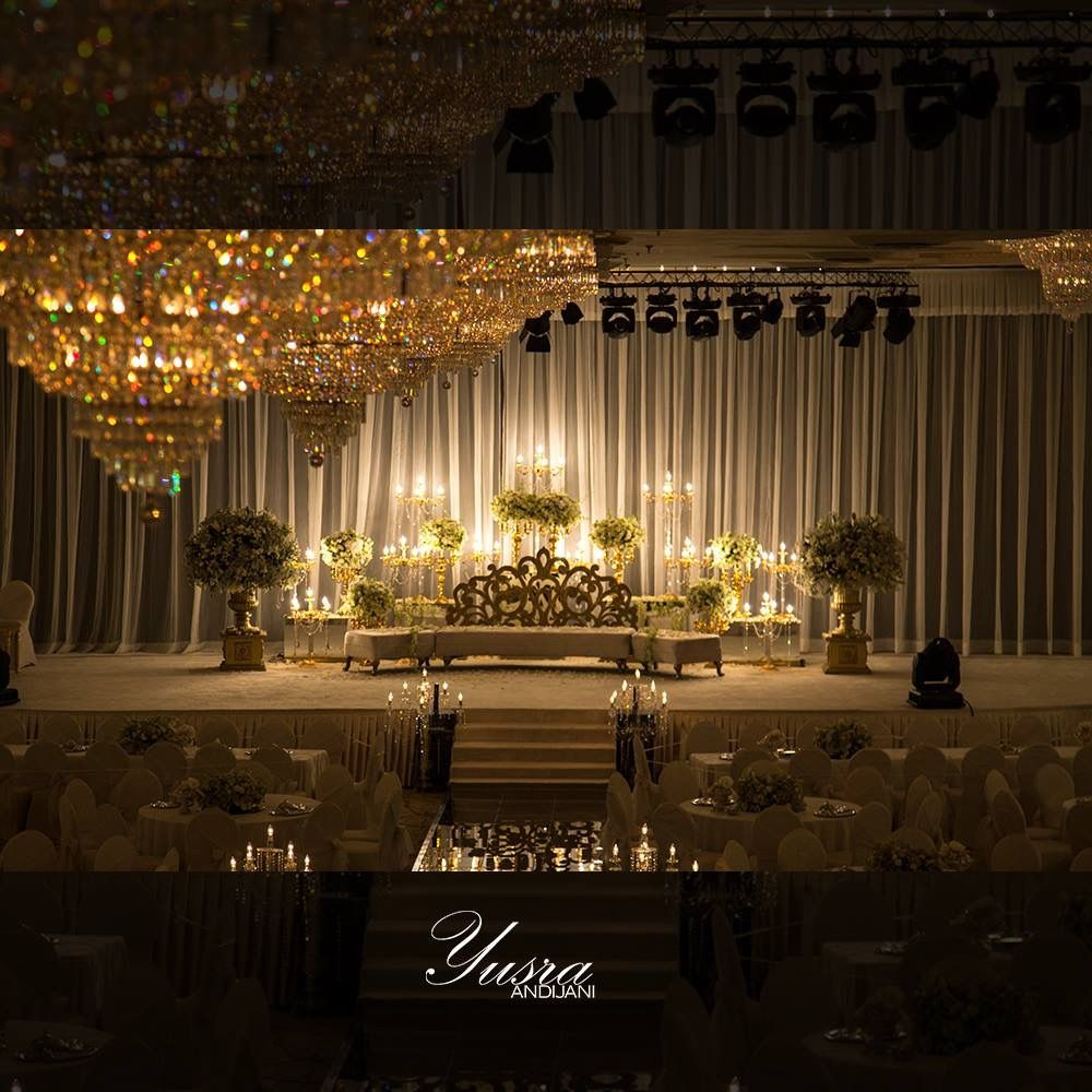 من تصاميم كوش الأفراح لعروستي رشا قاعه الامبراطوره من اجمل الكوش اللي صورتها يسرا انديجاني مصوره مصور Frame Card Table Decorations Ceiling Lights