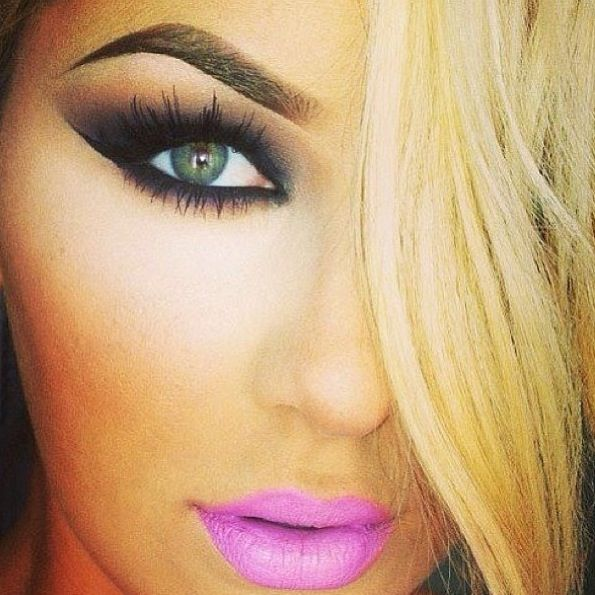Kiss Out Of Makeup: Smokey Eye Hot Pink Lips Ready To Go Out