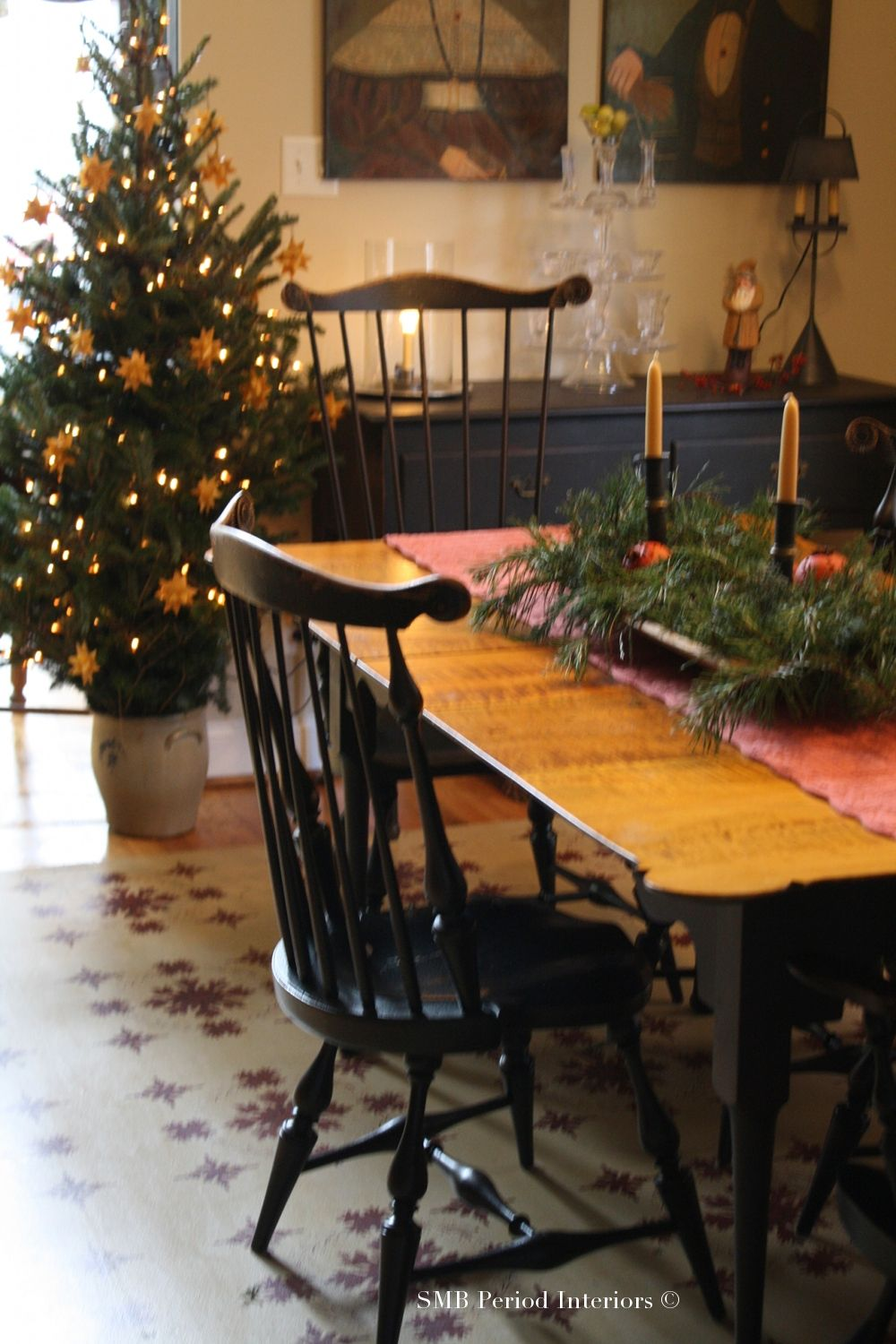 COLONIAL DECORATING WITH GREENERY AND CITRUS AT CHRISTMAS ...