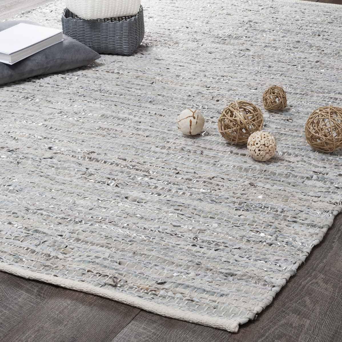 Alfombra de cuero beige y gris 140 x 200 | Tejidos y telas