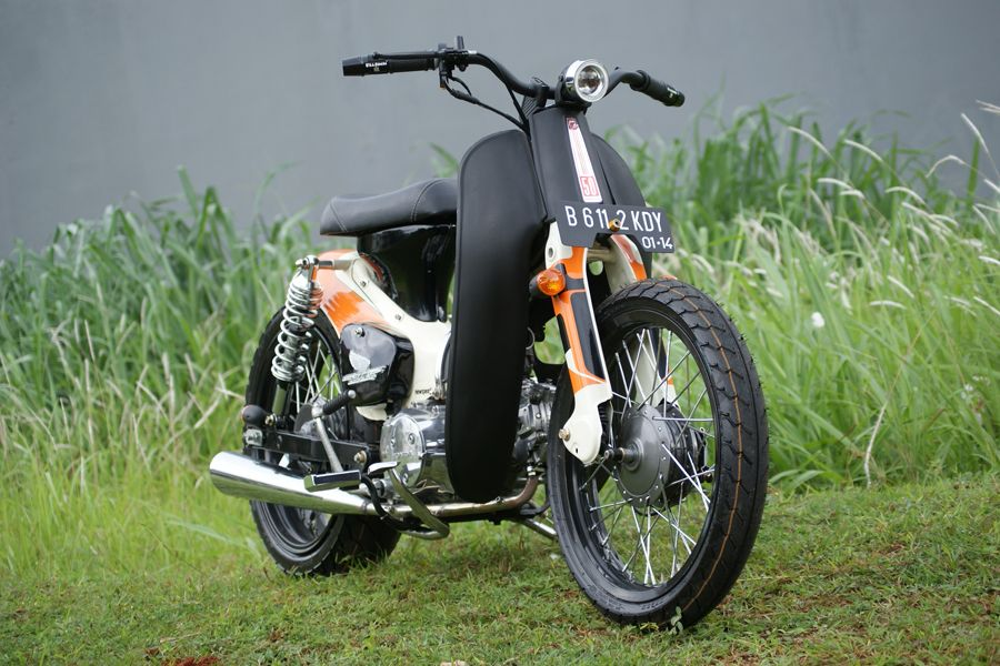 Streetcub by newspeed garage motorcycle modification for Garage modification