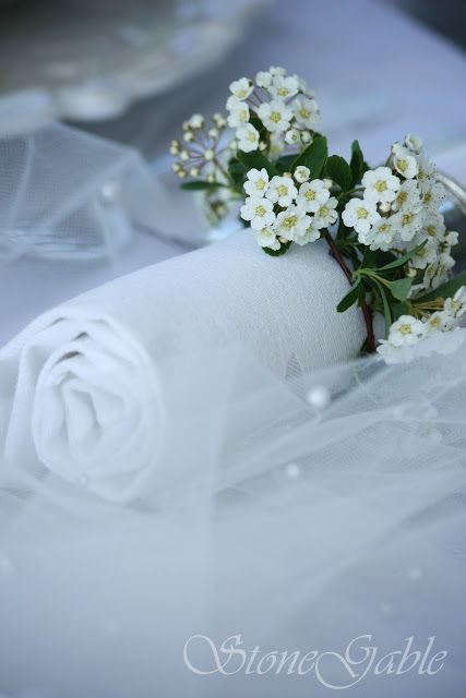StoneGable: Bridal Veil Tablescape