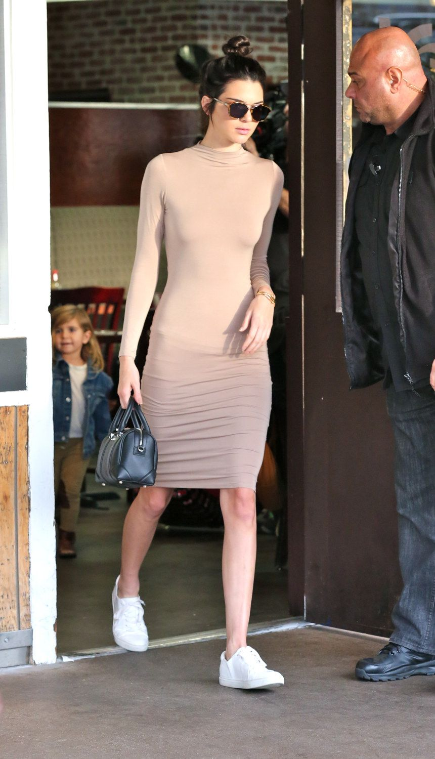 ddb95b3962a Kendall Jenner Street Style Outfits - Celebrity Street Style Kendall Jenner
