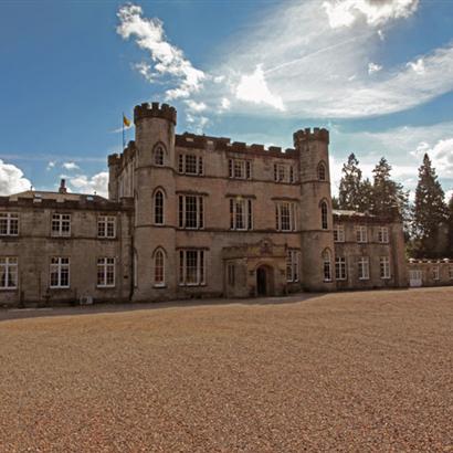 Melville Castle In Edinburgh Scotland For A Superb Wedding Venue