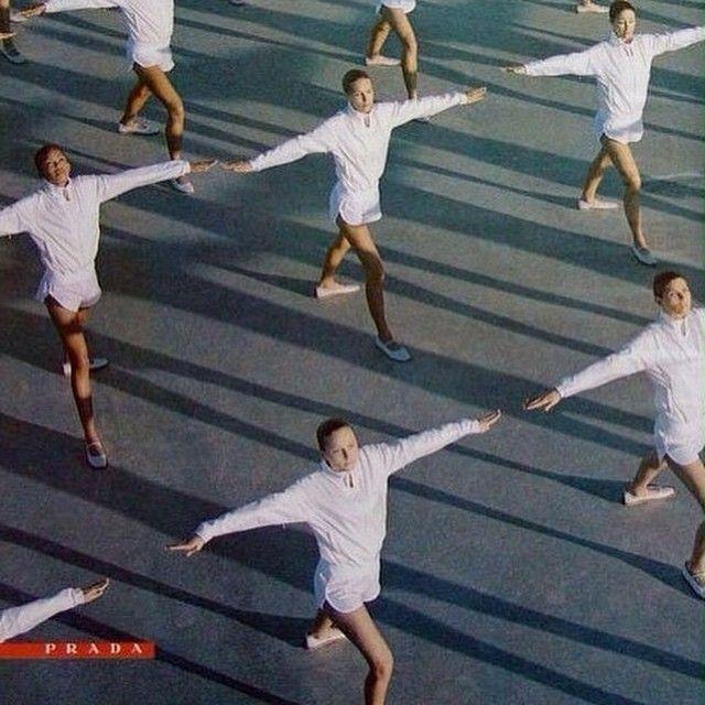 """199 Me gusta, 3 comentarios - Candela Capitán (@candelacapitan) en Instagram: """"Prada dance #contemporarydance"""""""