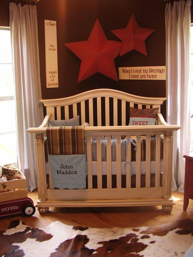 loving this cute boys room... not a duck blind ...
