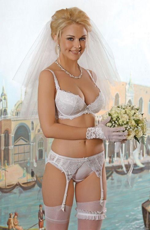 418a7eb51 Beautiful bride