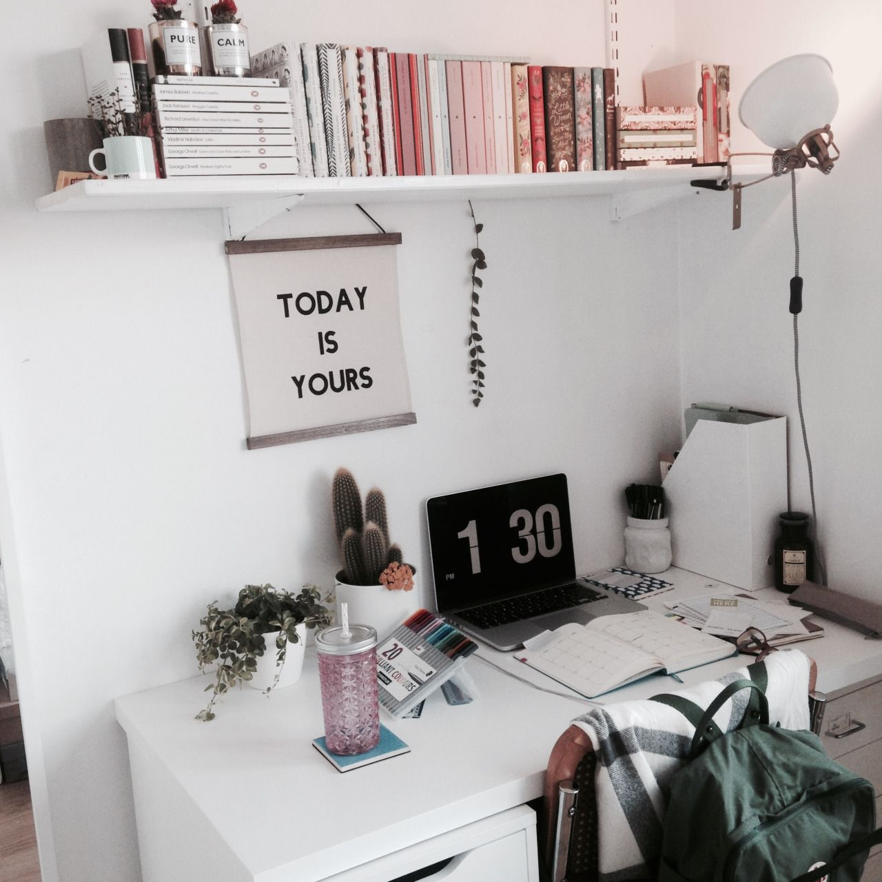 Bedroom Desk Tumblr Pinterest Mylittlejourney Tumblr Toxicangel