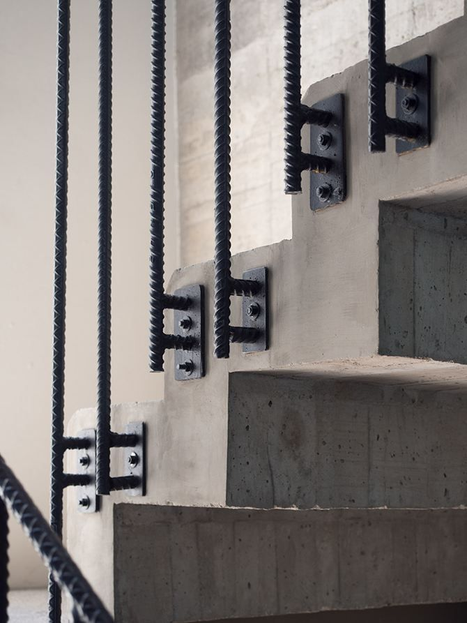 Edificio Cordoba Reurbano Picture Gallery Industrial Stairs Industrial Interior Design Concrete Stairs