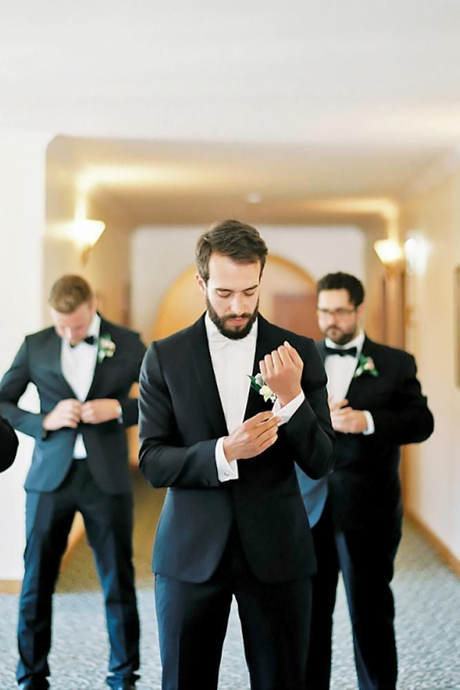 You Cant Miss These Awesome Groomsmen Photos