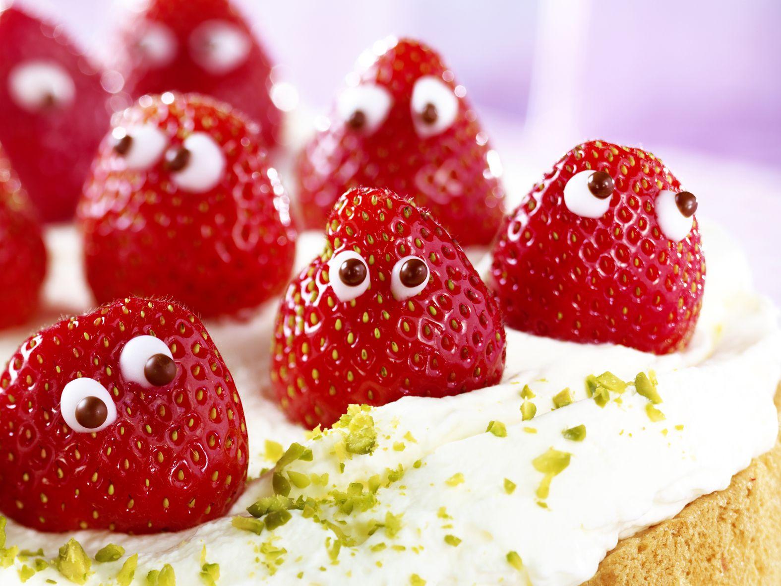 #strawberry #strawberries #cakedecoration #erdbeeren # ...