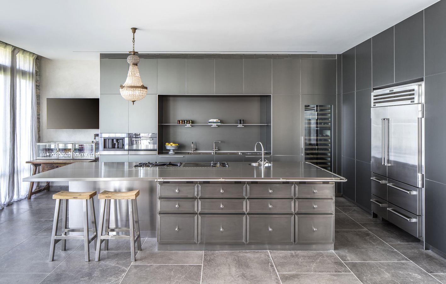 La Cornue Island Stainless Steel Modern Kitchen Design White Modern Kitchen White Kitchen Rustic