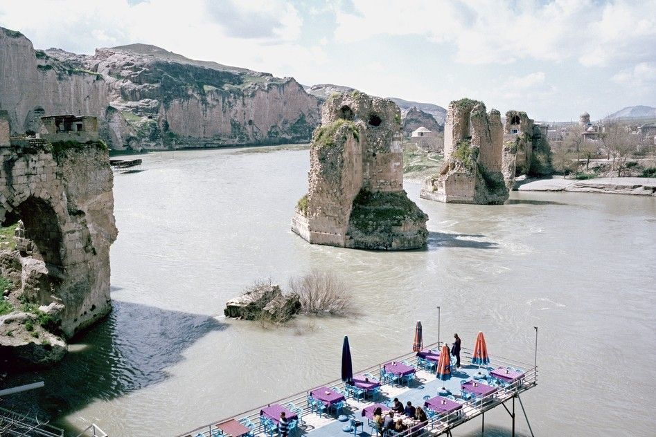 View on a terrace of a restaurant above the Tigris in Hasankeyf.