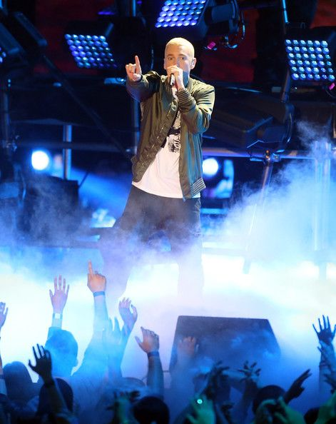 Eminem Photos Photos Mtv Movie Awards Show The Shady Bunch
