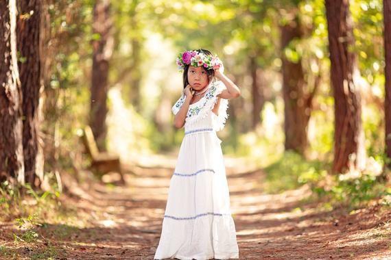 b3b58ec44b4 Bohemian Junior Bridesmaid Dress Boho Shabby Chic Rustic White Flower Girl  Dress Toddler Girl Tween