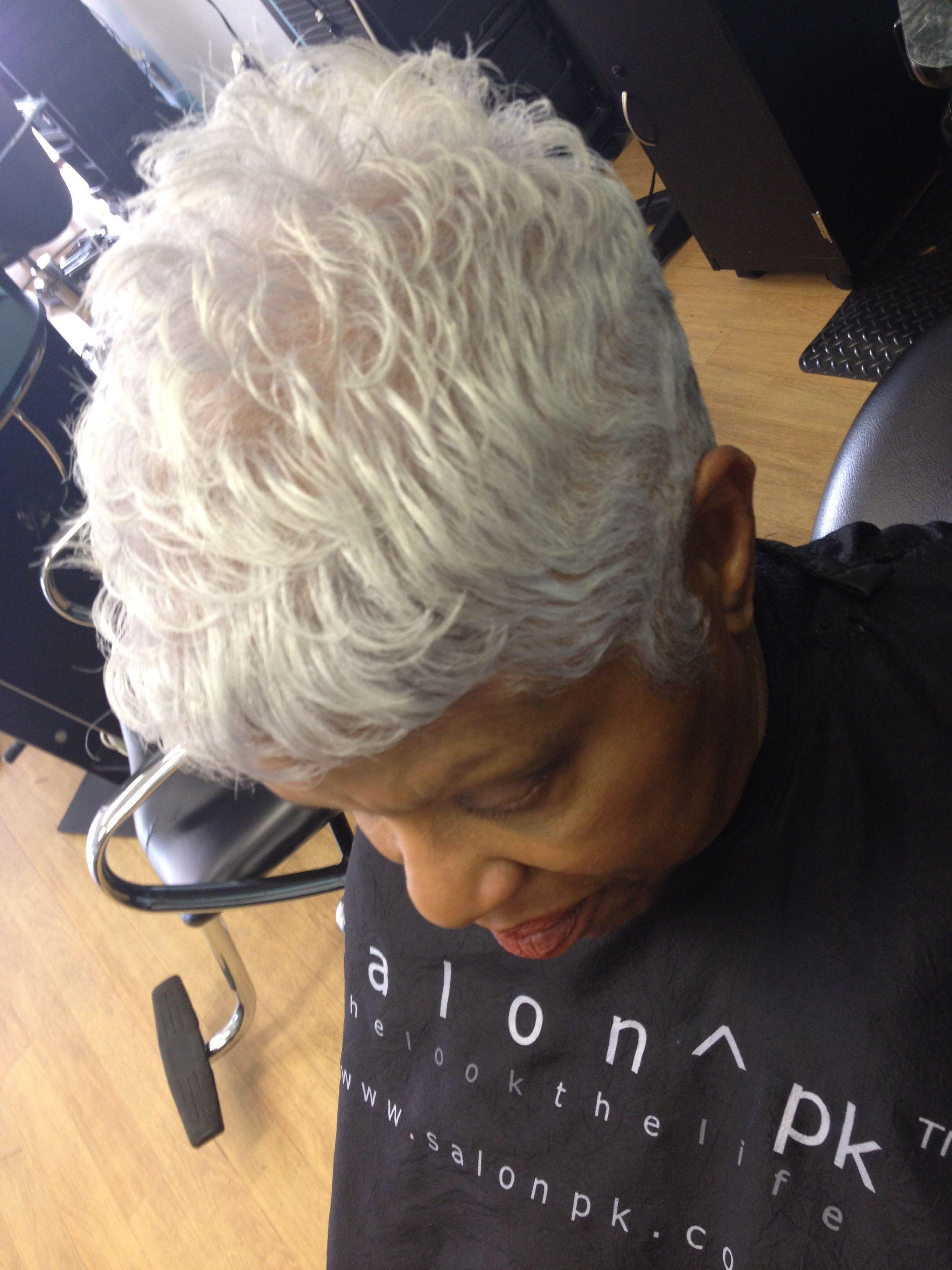 Beautiful Gray Hair / Pixie / Women's Hairstyles /Black