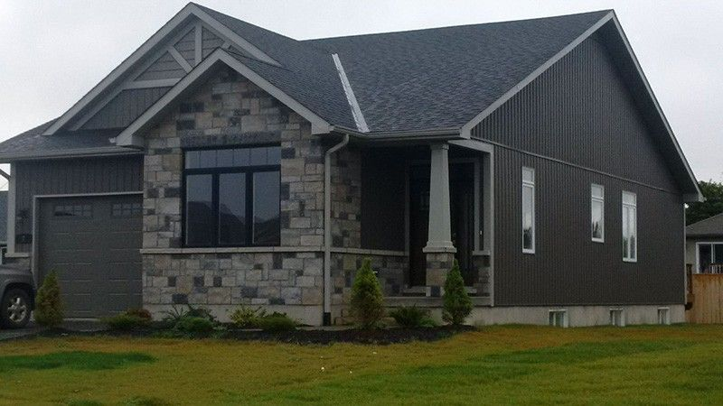 Kaycan Vinyl Siding Castlemore Board Batten And Shakes With Grey Stone And White Trim Kaycan Vinyl S Exterior House Colors House Exterior Grey Vinyl Siding