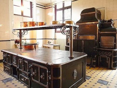 Antique stoves - 09 Pics | Curious, Funny Photos / Pictures