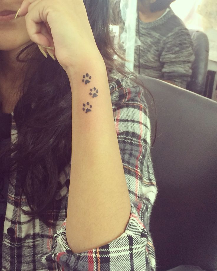 Cute paw tattoo | Tattoo | Tattoos, Dog tattoos, Wrist tattoos