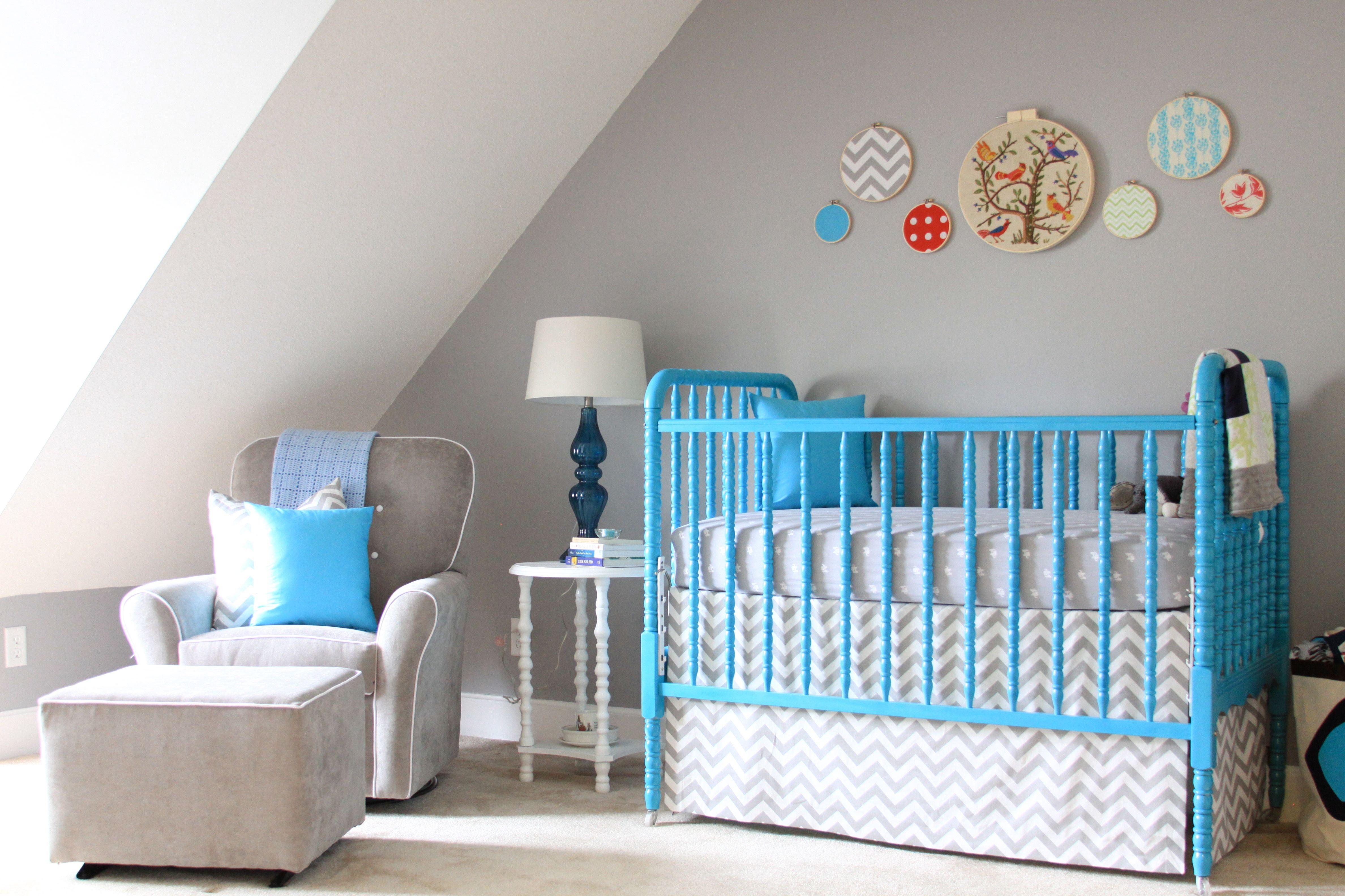 Cassarà Mobili ~ Baby nursery with painted jenny lind crib. diy hoop art and crib