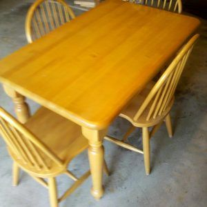 Maple Kitchen Tables And Chairs Http Nilgostar Info Pinterest Round Dining Kitchens
