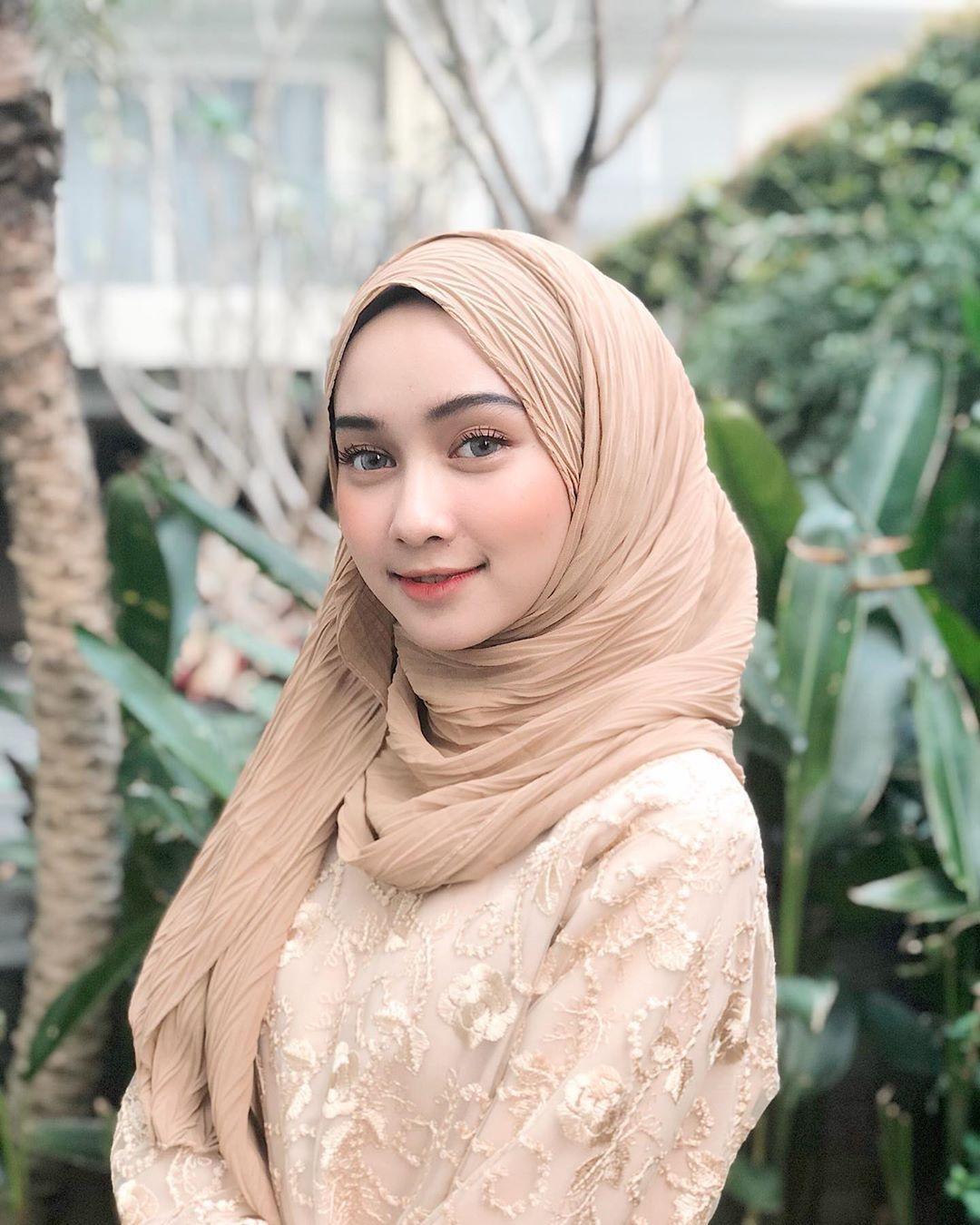 Pin Oleh Aisyah Di Beautiful Hijab Style Tudung Selendang Shawl