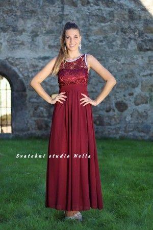 4cebccecc99 Plesové splývavé šaty - bordo šaty - dlouhé šaty www.svatebninella ...